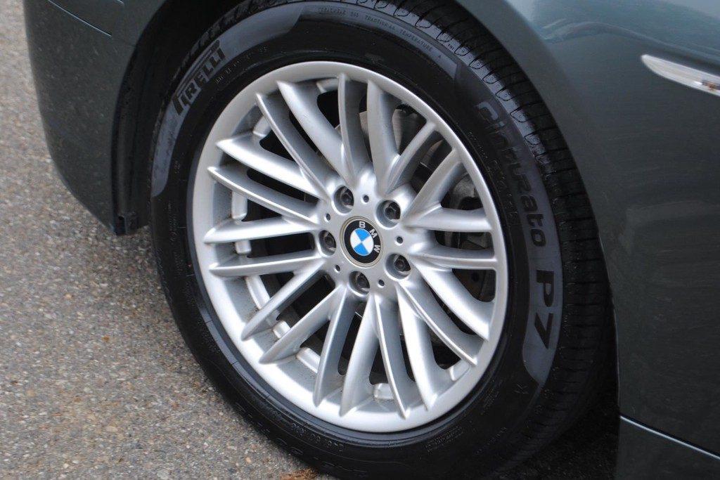 BMW 735i V18