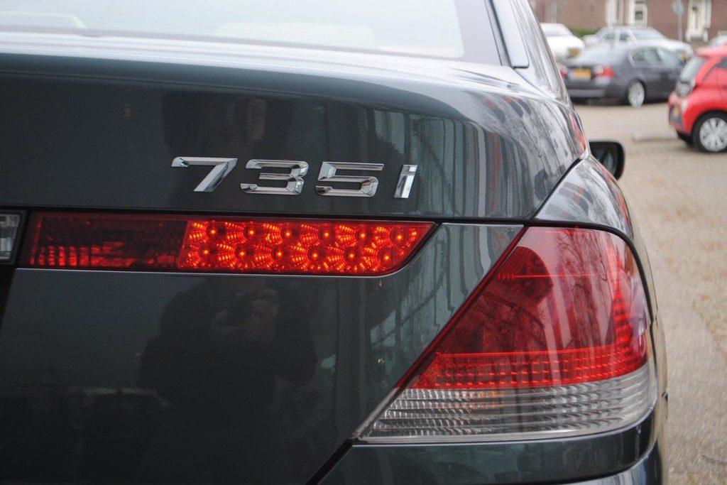 BMW 735i V19