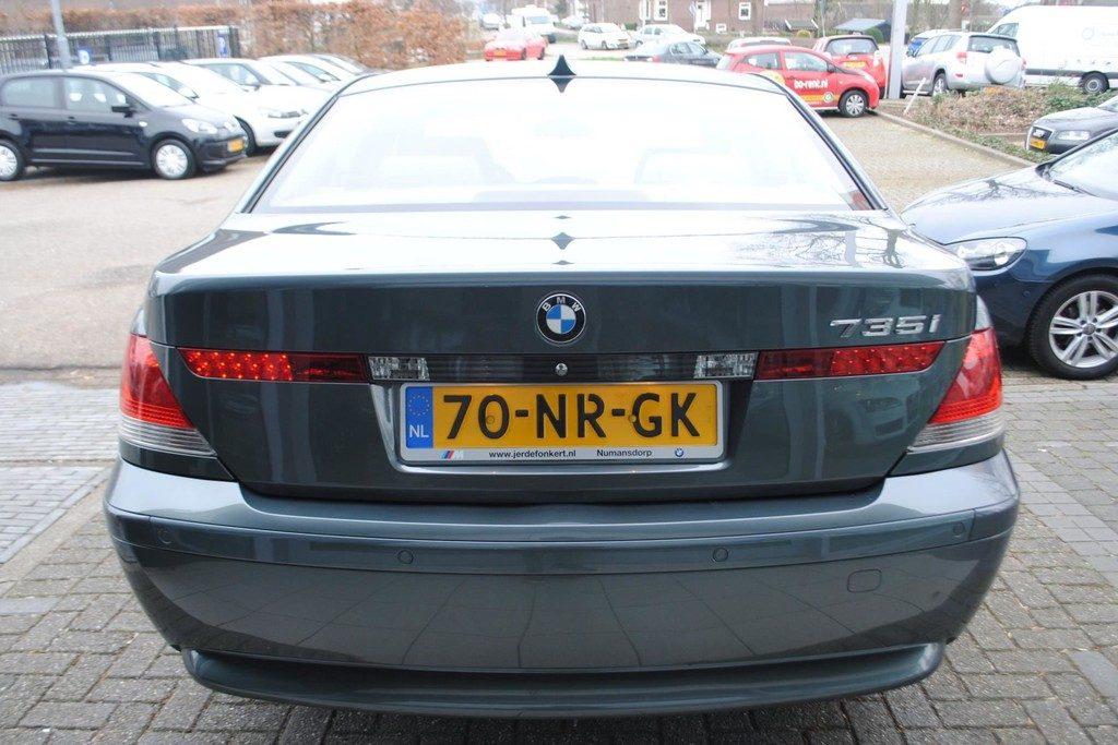 BMW 735i V4