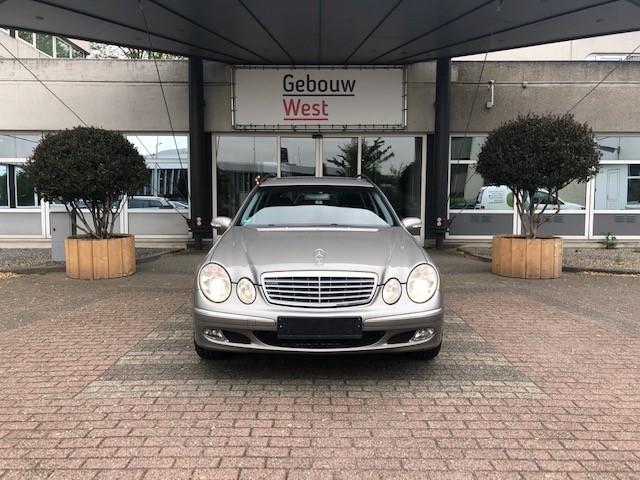 Mercedes E240 v1