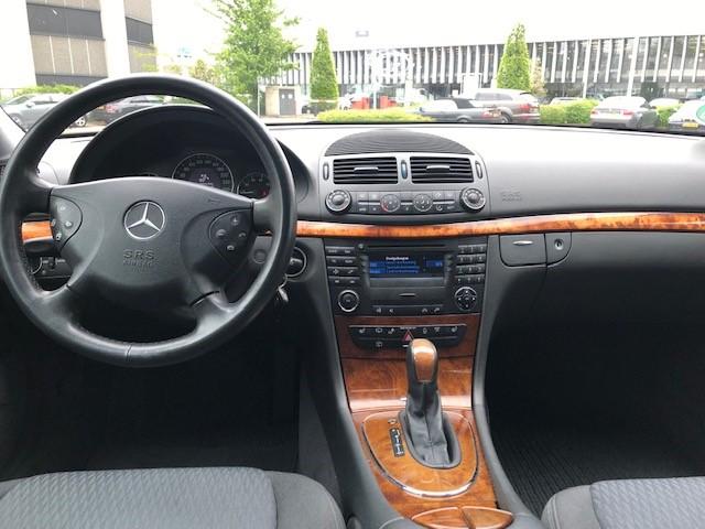 Mercedes E240 v12
