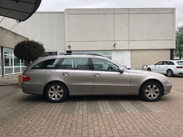 Mercedes E240 v3