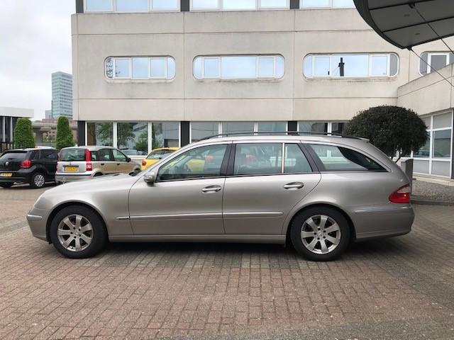 Mercedes E240 v5
